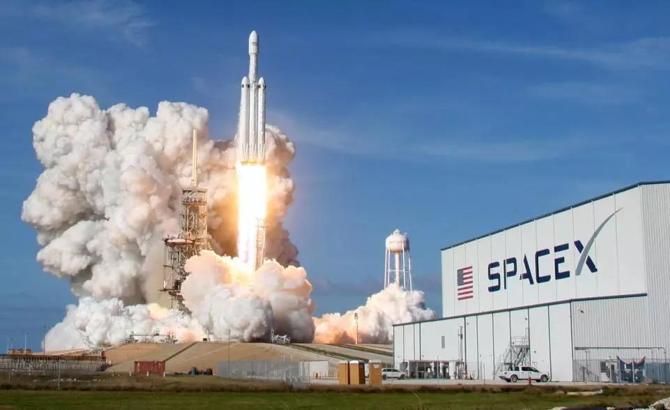 SpaceX ماهواره موشک Falcon Heavy الون ماسک